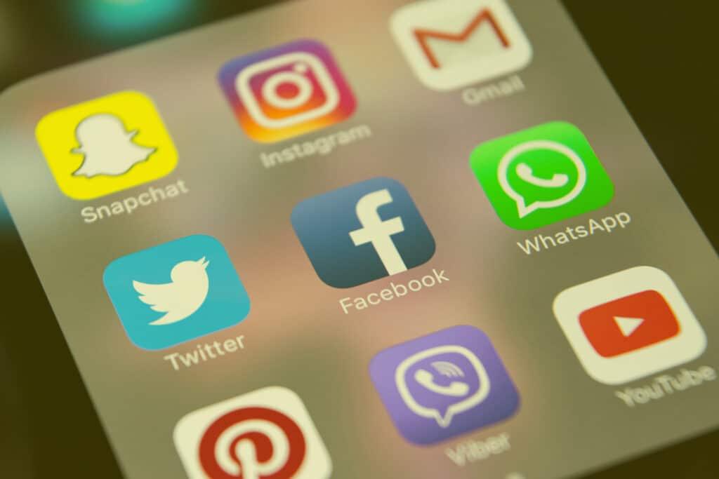 communiquer réseaux sociaux